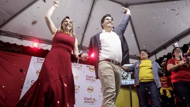 El evangelista Fabricio Alvarado gana la primera ronda en las elecciones en Costa Rica