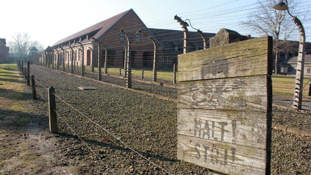 Polonia trata de blindar la verdad histórica del Holocausto