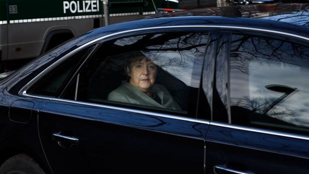 Schulz arranca a Merkel «el fin de la austeridad en Europa»