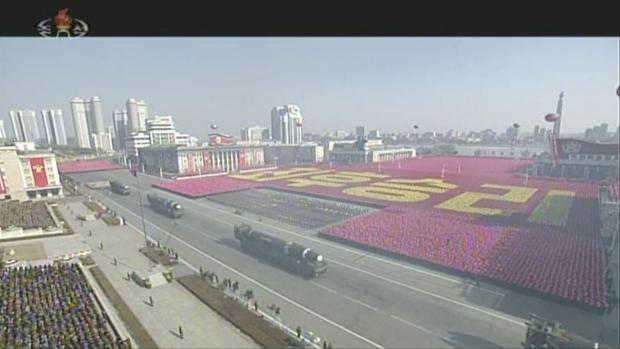 Kim Jong-un luce sus misiles mientras cultiva la «diplomacia olímpica» con Corea del Sur