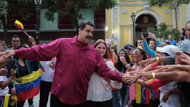 Maduro y su esposa Cilia, en un acto de gobierno el pasado 25 de enero. Fotografía cedida Miraflores