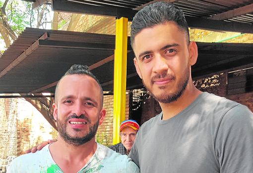 Danny Martínez, a la izquierda, asegura que Chile es la mejor opción