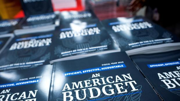 El presupuesto oficial para 2019, en una librería de Washington