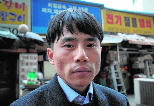 Lee Tae-weon, desertor de Corea del Norte cuya familia sigue retenida