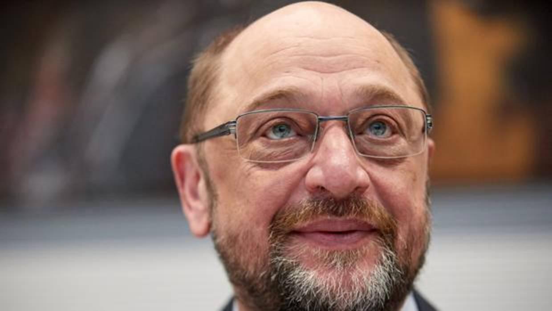 Schulz dimite del SPD y el partido nombra al alcalde de Hamburgo