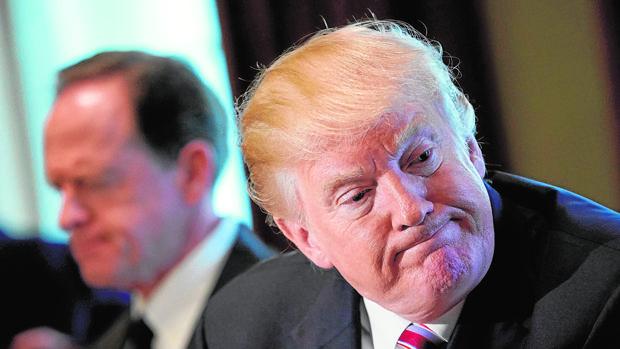 El presidente Donald Trump, en una reunión con miembros del Congreso