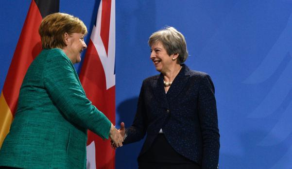 Merkel reprocha a May su retraso en la negociación del Brexit