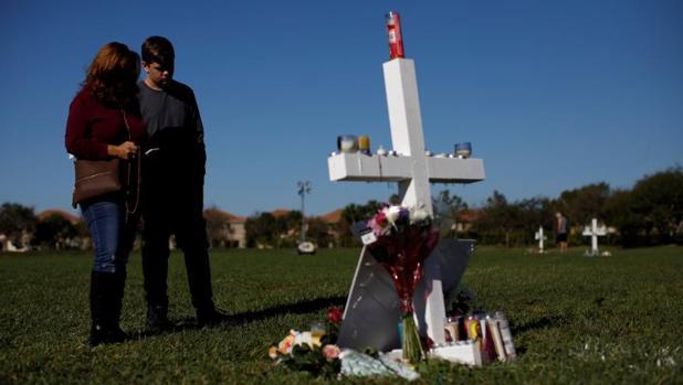 El FBI no investigó un chivatazo de alguien cercano al asesino de Florida