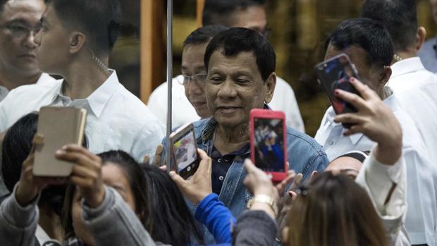 Duterte recomienda a los filipinos que no usen el condón porque no dan placer