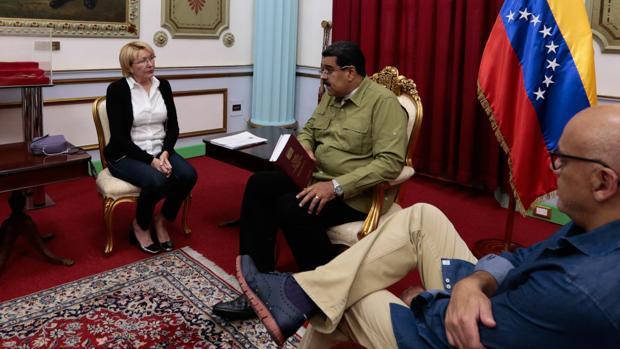 La fiscal Luisa Ortega pide al Supremo venezolano la captura internacional de Maduro