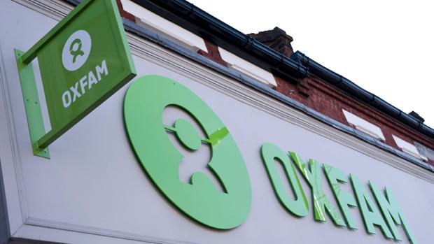Tres de los cooperantes de Oxfam acusados de acoso sexual en Haití amenazaron físicamente a testigos