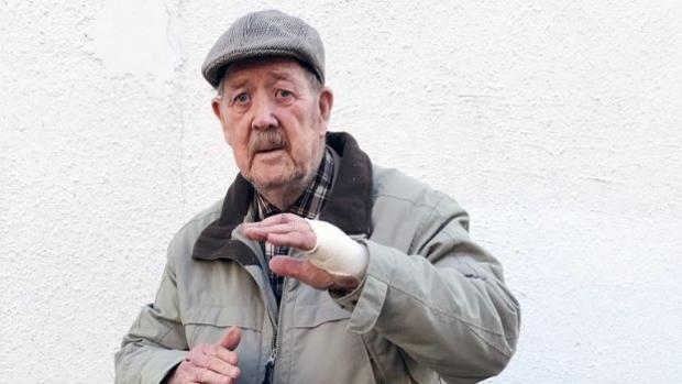 «John sin miedo»: un exmilitar inglés de 88 años impide que cinco ladrones asalten a una mujer