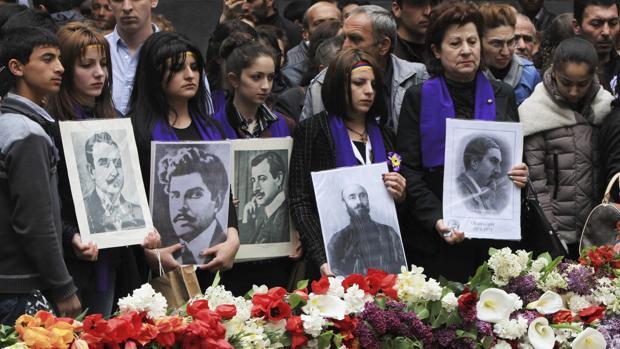 El Parlamento holandés reconoce el «genocidio armenio» pese a las amenazas turcas