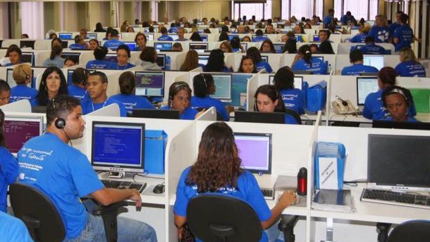 Imagen de archivo de un «call center»