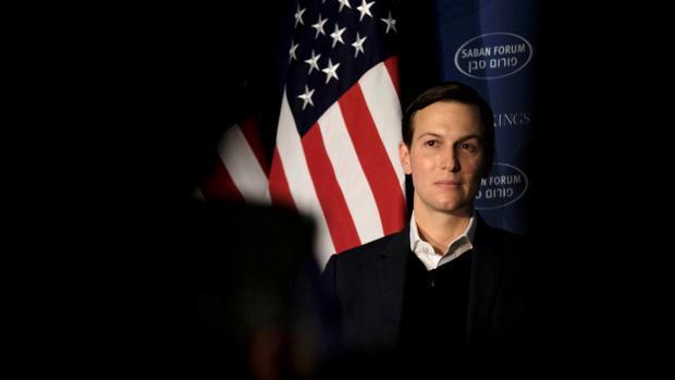 El general Kelly sospecha de los negocios del yerno de Trump