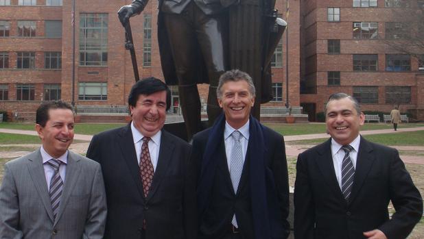 Durán Barba, a la derecha del presidente Macri en una visita a Estados Unidos en 2016