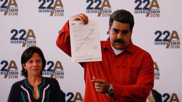 Maduro retrasa las elecciones presidenciales para el 20 de mayo