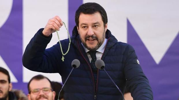 Los populistas italianos fomentan la eurofobia en la campaña