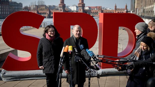 Los militantes del SPD dicen «sí» a una Gran Coalición con Angela Merkel