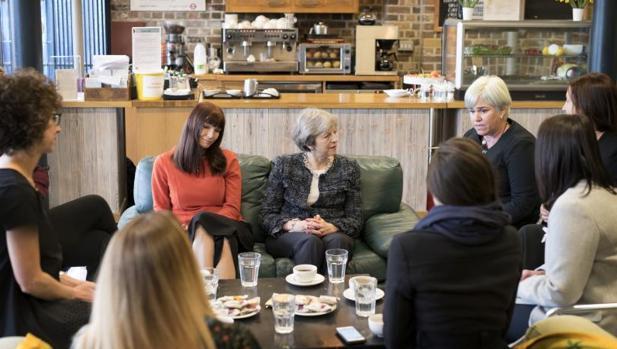 Theresa May, reunida este jueves en Londres con víctimas de violencia doméstica