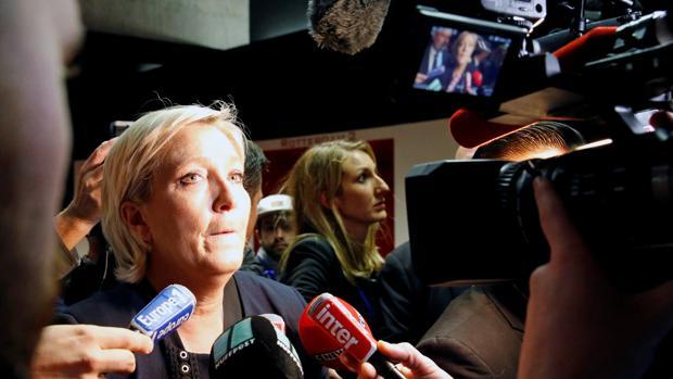 Marine Le Pen confía en anunciar hoy un cambio de nombre del Frente Nacional