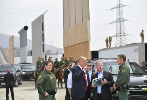 Trump habla con agentes de la Oficina de Aduanas y Protección Fronteriza de los Estados Unidos