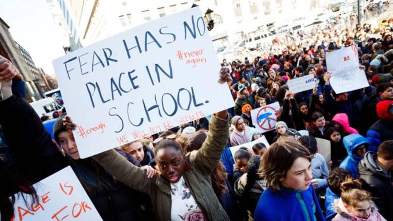 Paro nacional en las escuelas de EE.UU. por las 17 víctimas del tiroteo de Florida
