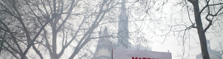 Eco parcial de la huelga en Francia de ferroviarios y funcionarios