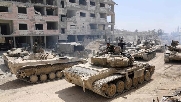 Tanques del Ejército sirio retoman el enclave rebelde, en la ciudad de Duma
