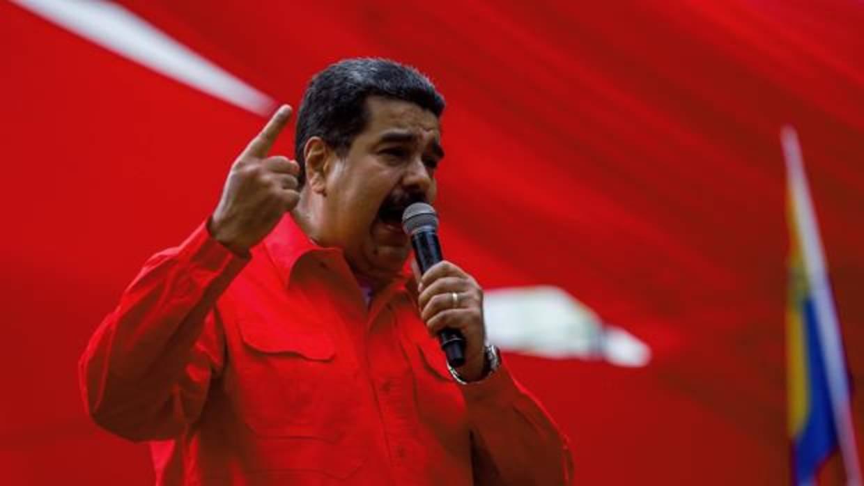 Santos acusa a Maduro de querer perpetuarse con un sistema «a la cubana»