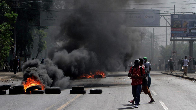 Tercer día de protestas en Nicaragua deja 10 muertos y un centenar de heridos