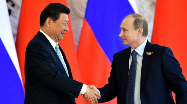 El presidente Xi Jinping y su homólogo ruso, Vladímir Putin
