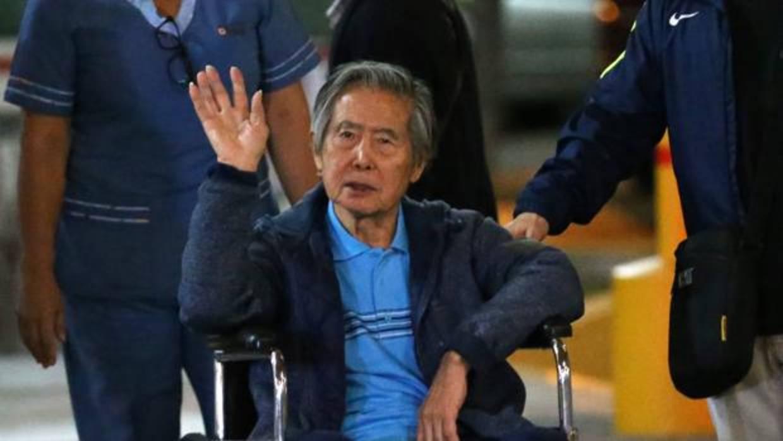 Dictan impedimento de salida del país a Fujimori por matanza de Pativilca