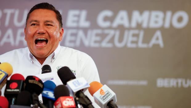 Javier Bertucci durante un discurso en Caracas