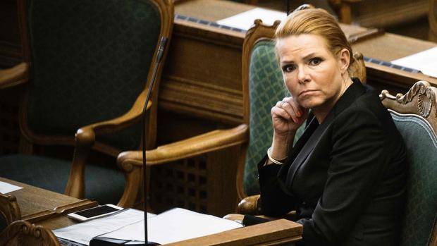 La ministra danesa de Inmigración e Integración, Inger Stojberg