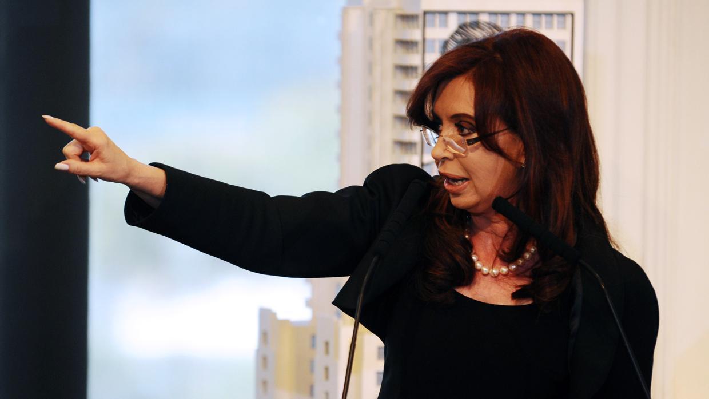 Cristina Kirchner tilda a Macri de «traidor a la patria» tras haber pedido un crédito al FMI