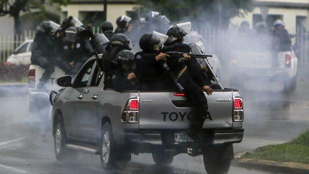 Ortega accede a reanudar el diálogo en Nicaragua mientras endurece la represión
