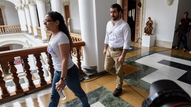 Maduro libera a un puñado de presos políticos para lavar su imagen