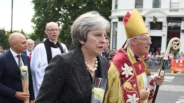 Theresa May elogia el «coraje» de Echeverría en el aniversario del atentado en Londres