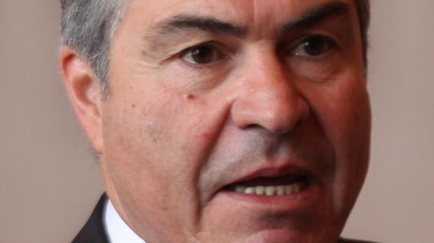 Dimite el primer ministro de Jordania en plena crisis de la subida de los impuestos