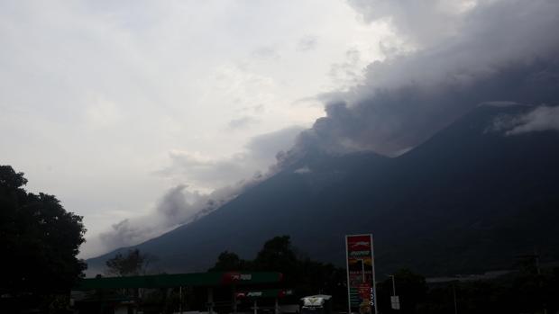 Al menos 25 muertos causados por la erupción del volcán de Fuego en Guatemala