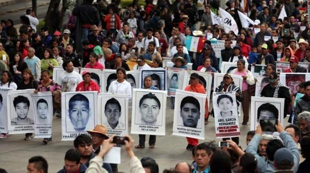 Un tribunal mexicano ordena volver a investigar el caso de los 43 de Ayotzinapa