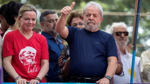 Lula da Silva lanza su candidatura a la presidencia de Brasil desde la cárcel