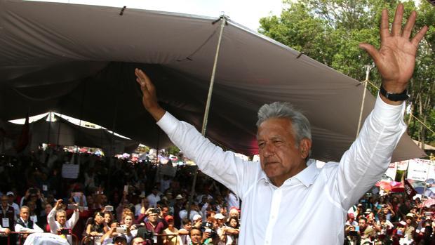 La corrupción hunde al histórico PRI y catapulta al izquierdista López Obrador