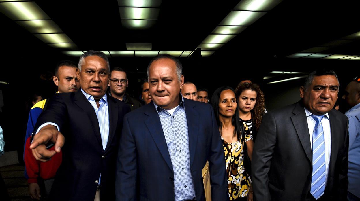EE.UU. confisca a Diosdado Cabello 800 millones de dólares