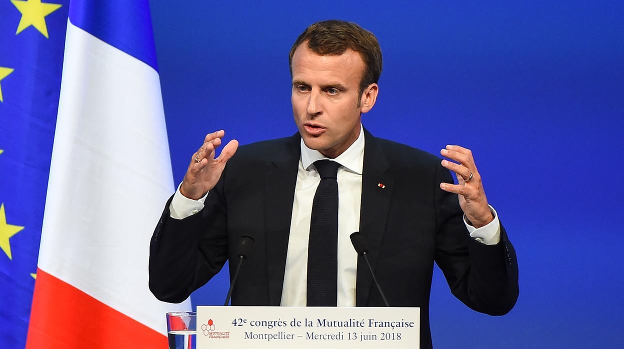 Emmanuel Macron ha dado el primer paso de sus reformas por venir con una frase que provoca mucha «polvareda»: «Las ayudas sociales cuestan una pasta gansa»