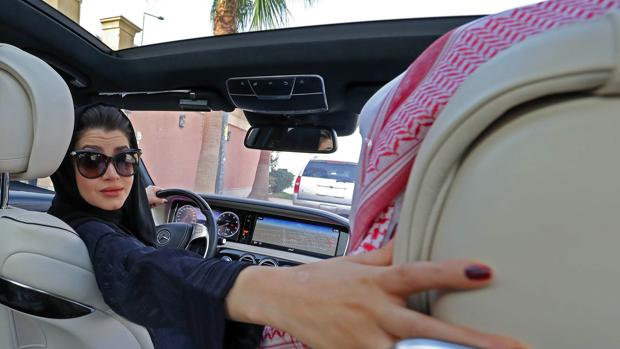 Diez cosas que seguirán vetadas a las saudíes cuando empiecen a conducir