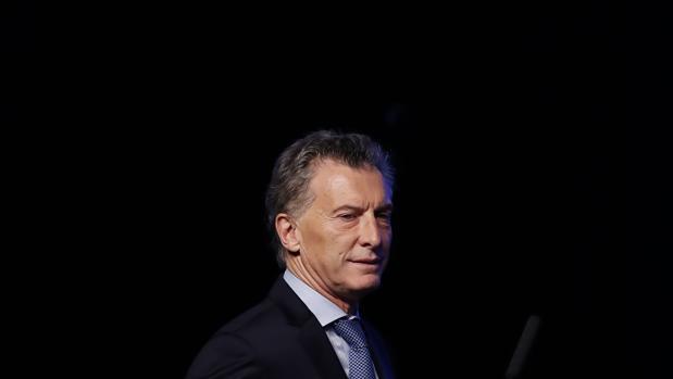 Macri ajusta su Gabinete económico y cesa a los ministros de Producción y Energía