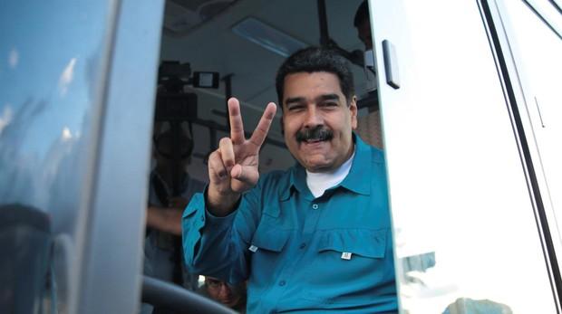 Maduro aumenta los salarios para compensar la hiperinflación