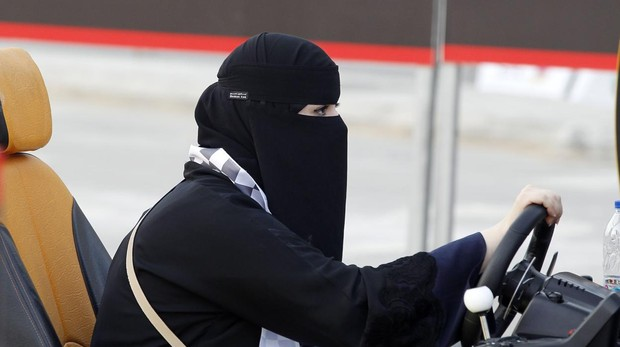 Las mujeres saudíes comenzarán a conducir este domingo